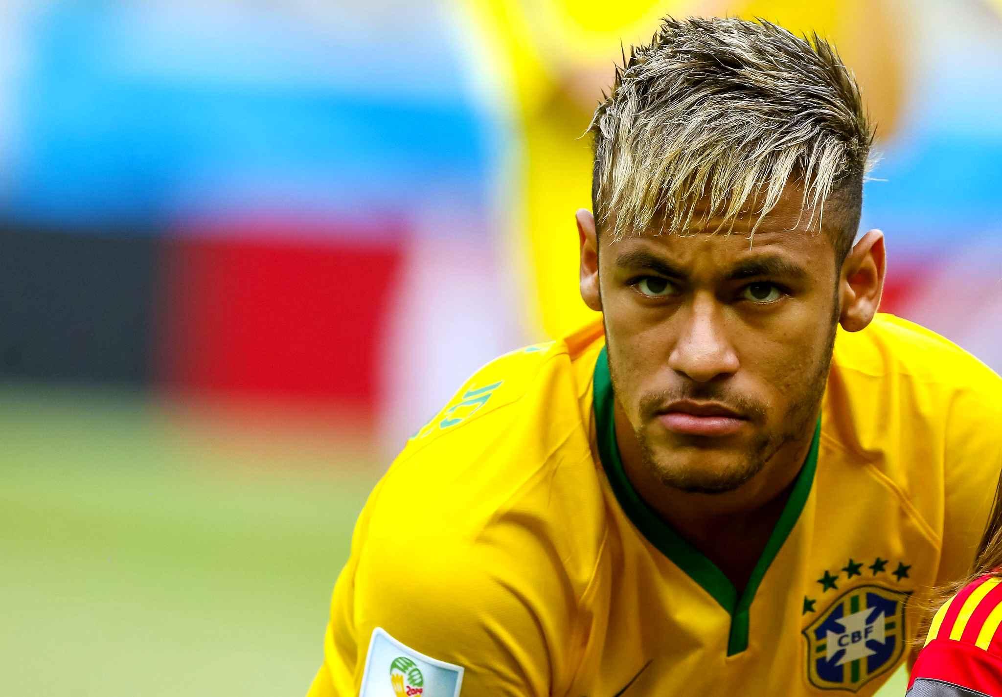 Coupe de cheveux neymar coupes de cheveux - Coupe de cheveux de footballeur ...