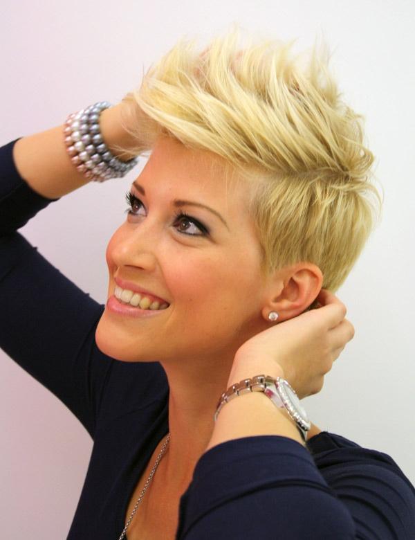 Coupe de cheveux courte pour femme coupes de cheveux for Photo de coupe de cheveux court femme