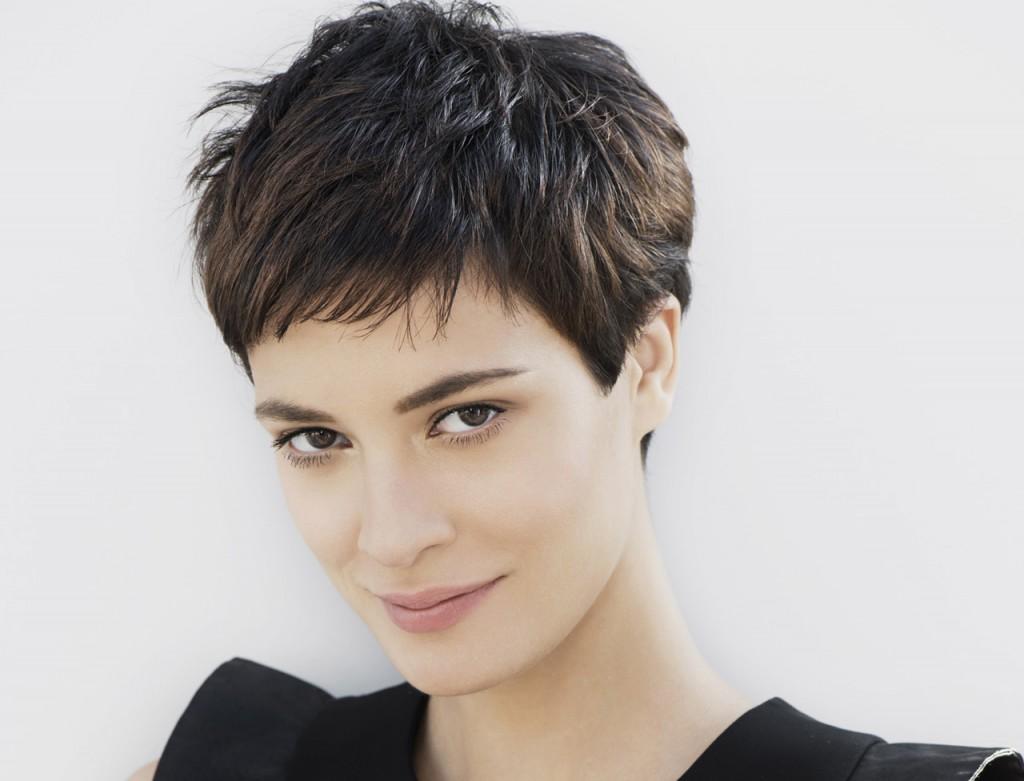 modèle coupe de cheveux femme court