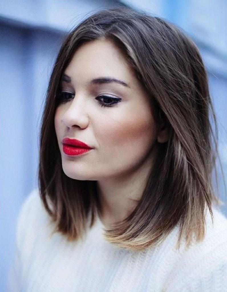 image coupe de cheveux femme visage rond