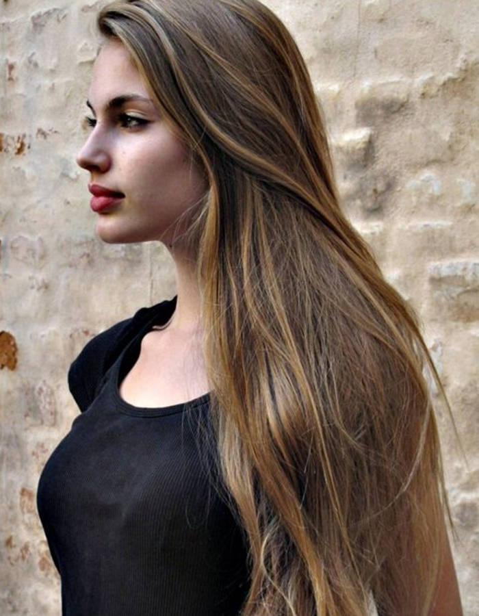 beau coupe de cheveux sur cheveux long