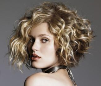 image coupe de cheveux visage rectangulaire
