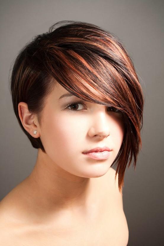 astuce coupe de cheveux visage rond